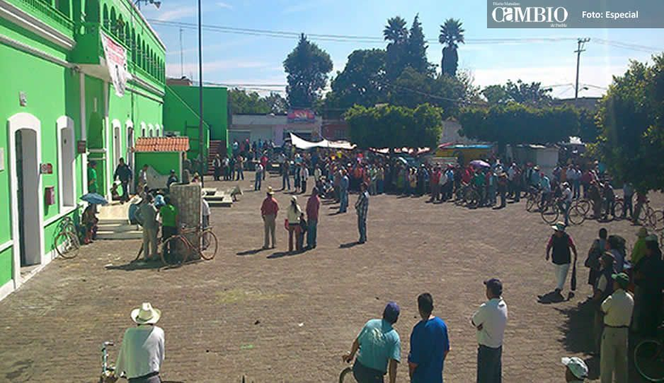 Habitantes de Juan C. Bonilla obligan al Cabildo a rechazar colector de aguas negras