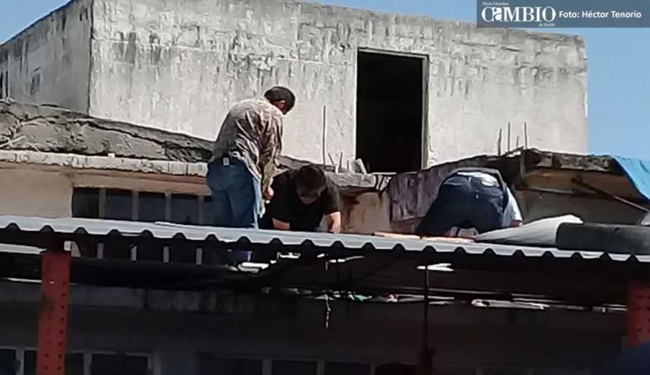 Tras 4 horas, pobladores liberan la México-Puebla y entregan cuerpo del ladrón asesinado por vecino (VIDEO)