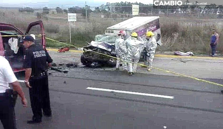 Chofer muere prensado al interior de su camioneta en Huejotzingo