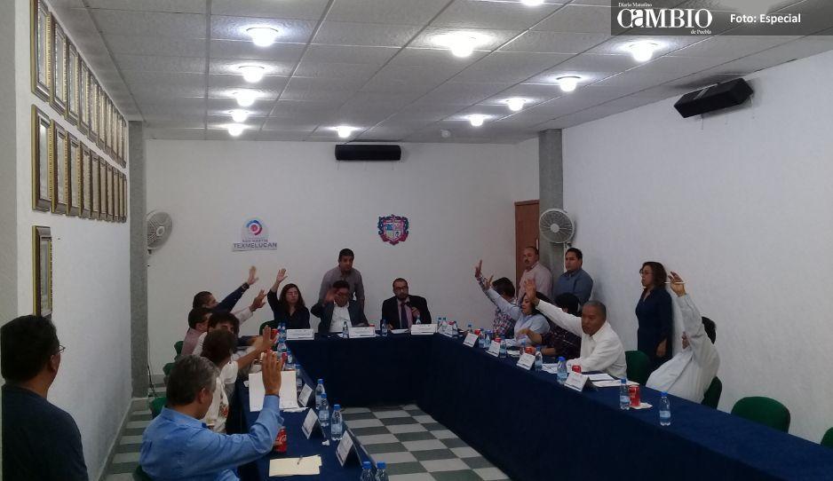 Rafa Núñez se va por la libre: Cabildo de Texmelucan aprueba licencia definitiva