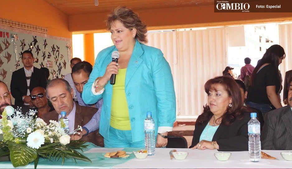 Renuncian al Ayuntamiento de Texmelucan  el secretario general y la presidenta del DIF