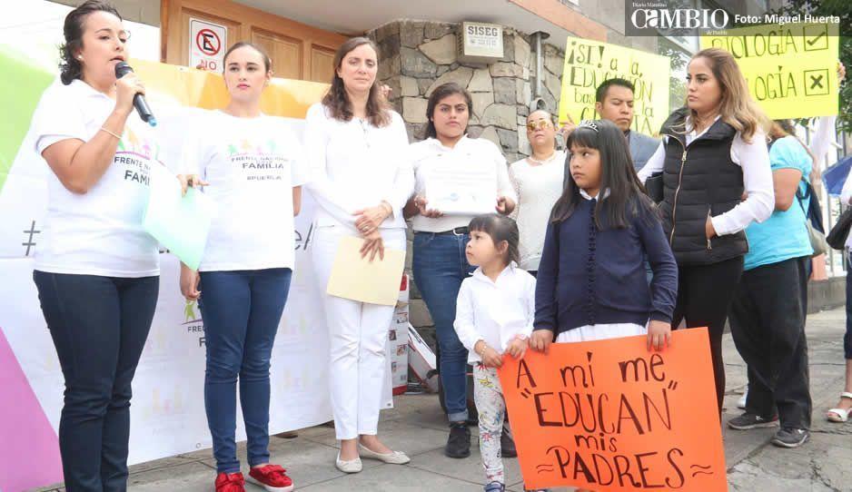 Padres de familia piden voz sobre educación sexual de sus hijos