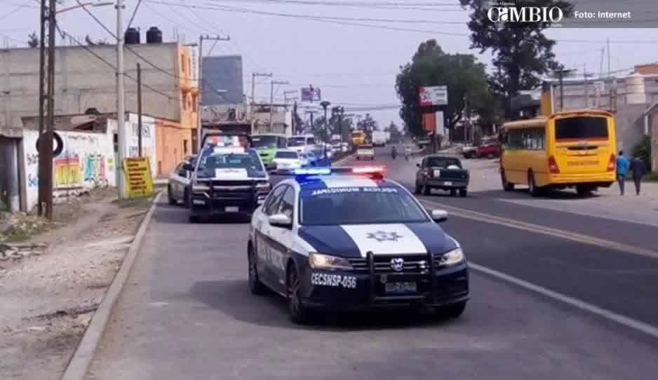 Policías municipales aseguran unidad con combustible en Texmelucan