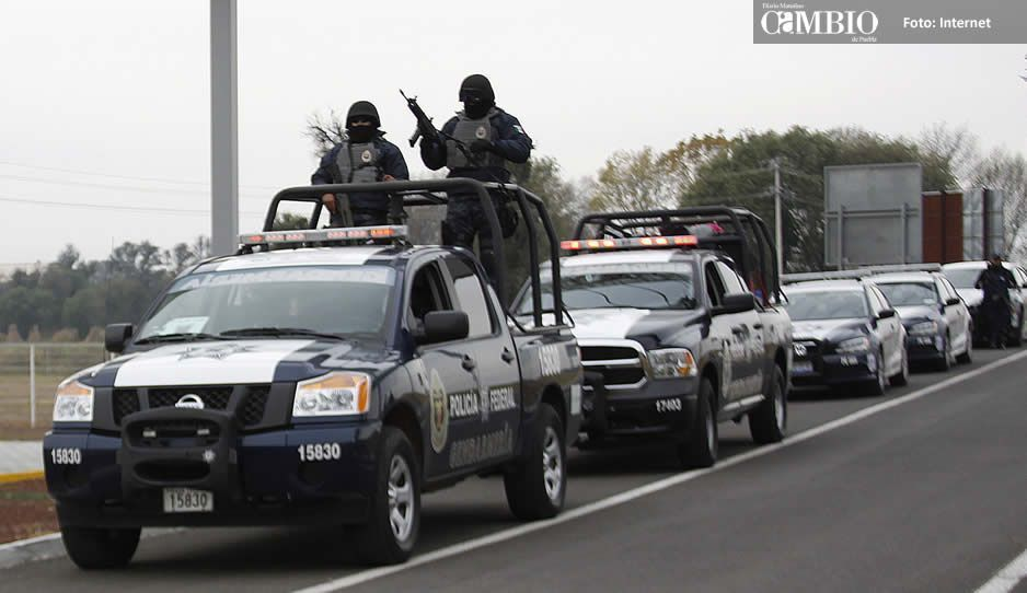 A pedradas agreden a federales en Tecamachalco que buscaban un camión de BIMBO robado