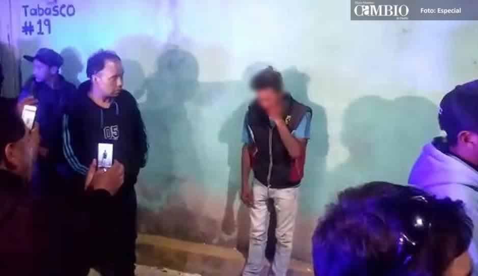 VIDEO: Rescatan a presunto ladrón de ser linchado por pobladores de Texmelucan