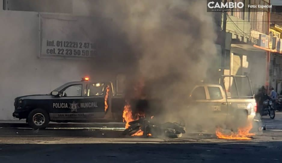 Pobladores queman 4 patrullas en Texmelucan tras accidente vial (FOTOS)