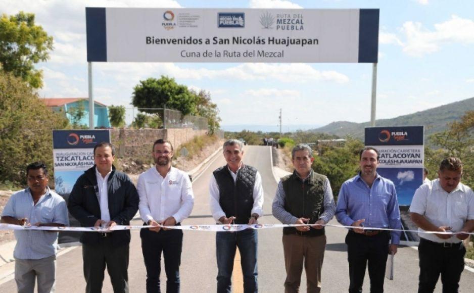 Entrega Tony Gali apoyos al campo poblano en la Mixteca