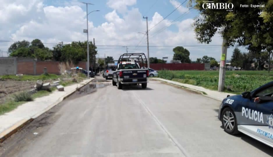 Paramédicos de protección civil atienden a sujeto con rasguñon de arma blanca en Texmelucan