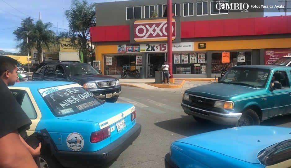 Se unen taxistas de Atlixco contra competencia pirata