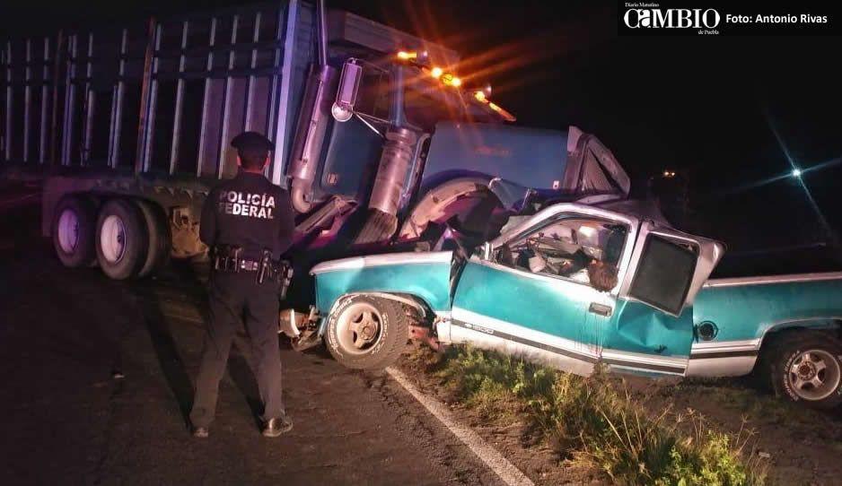 Choque entre camión y camioneta deja dos muertos en la San Hipólito-Xalapa