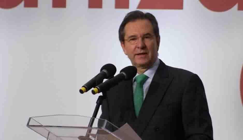 Esteban Moctezuma, titular de la SEP, anunció que habrá un call center para denunciar la corrupción