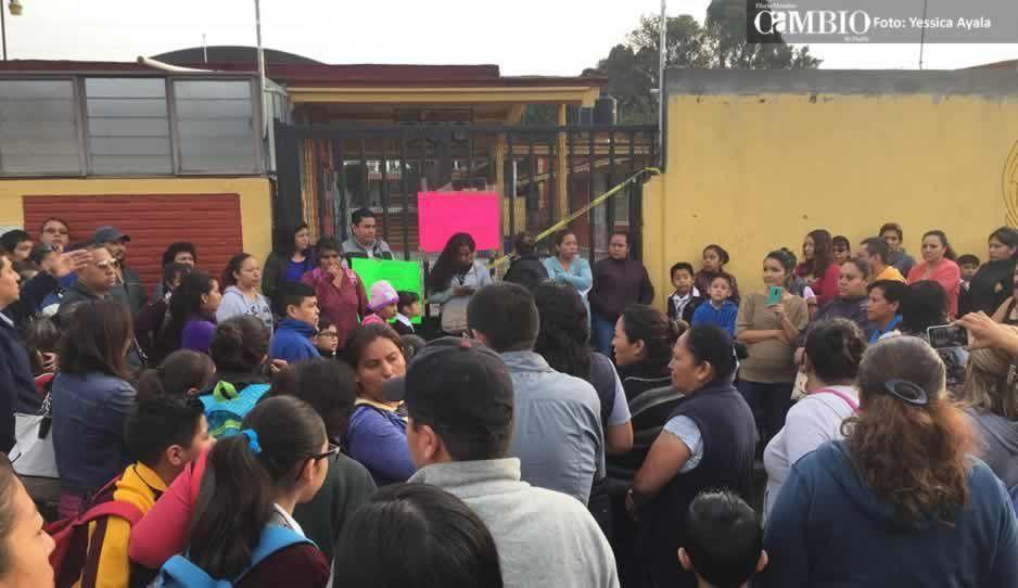Toman primaria en Atlixco ante afectaciones tras el sismo que no han sido atendidas