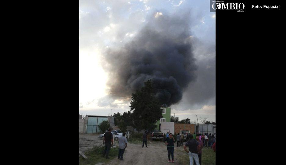 Se incendia predio en Texmelucan, al parecer se almacenaba combustible