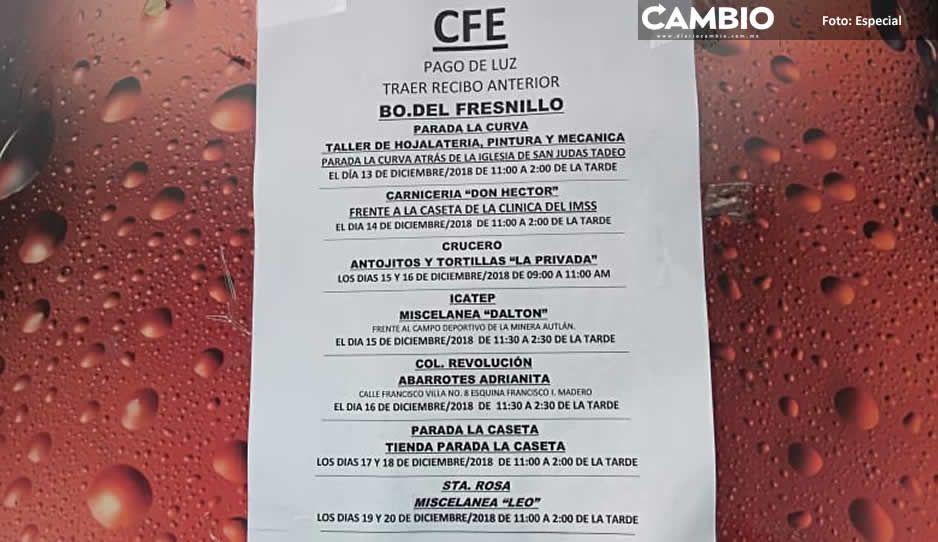 CFE expone a población al cobrar fuera de sus oficinas en Teziutlán