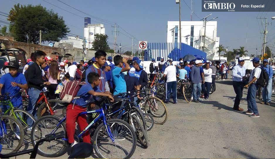 Mario Riestra huye de la rodada organizada en Cuautlancingo y se refugia en Teziutlán