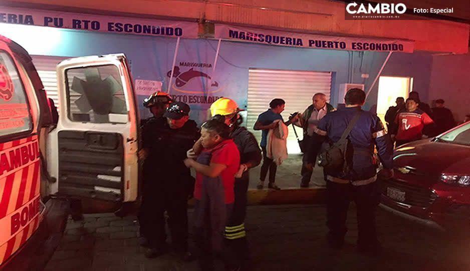 Con armas de fuego y machetes comando asalta la marisquería Puerto Escondido en Tehuacán (FOTOS)