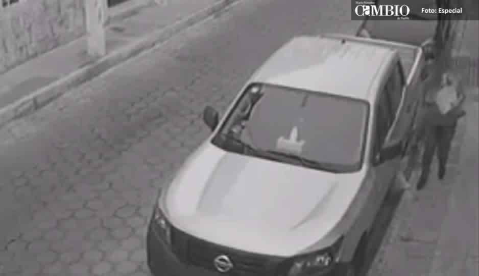 Buscan a mujer que maltrataba a gatitos en Atlixco (VIDEO)