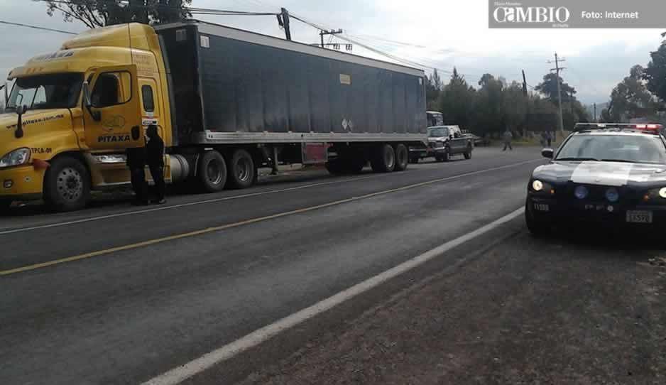 Localizan en Texmelucan camión robado en la autopista México-Puebla