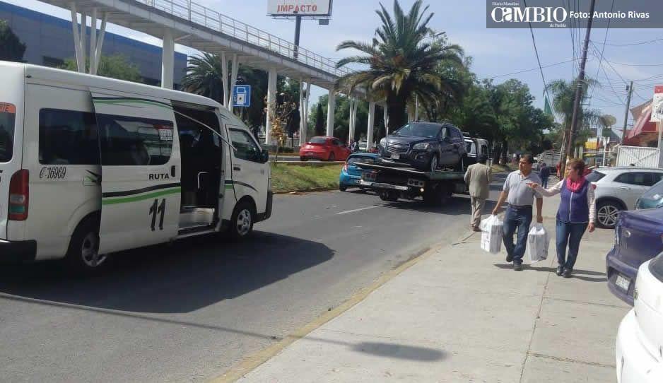 Choque entre camioneta y ruta 11 deja cuatro lesionados en la San Rafael Poniente