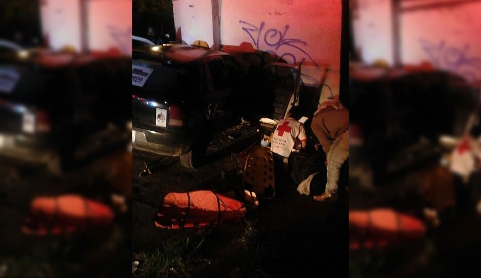 Choque de Taxi en el Puente de México deja 3 lesionados