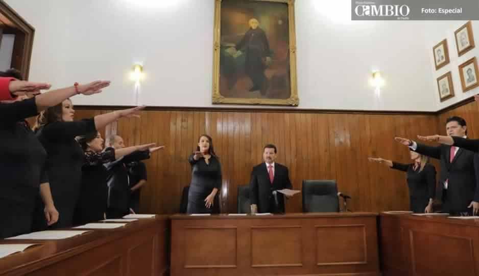 Regidor de San Pedro solicita licencia a unos minutos de haber rendido protesta