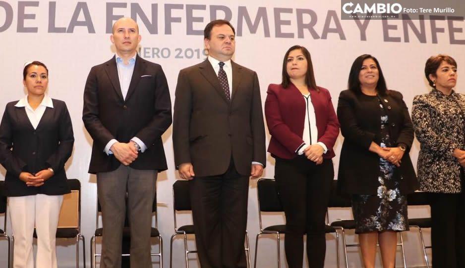 Encabeza Almeida su primer evento como encargado de despacho a lado de Claudia Rivera