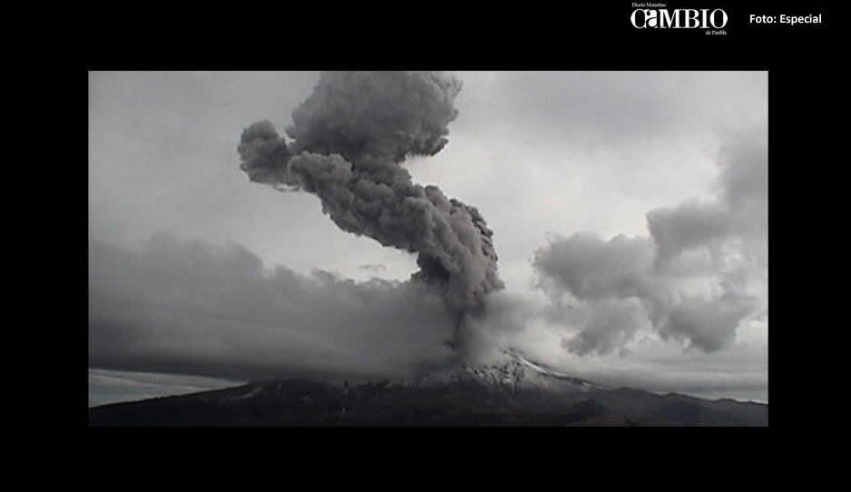 ¡Pum, pum, Popocatépetl! realiza megaexplosión de terror