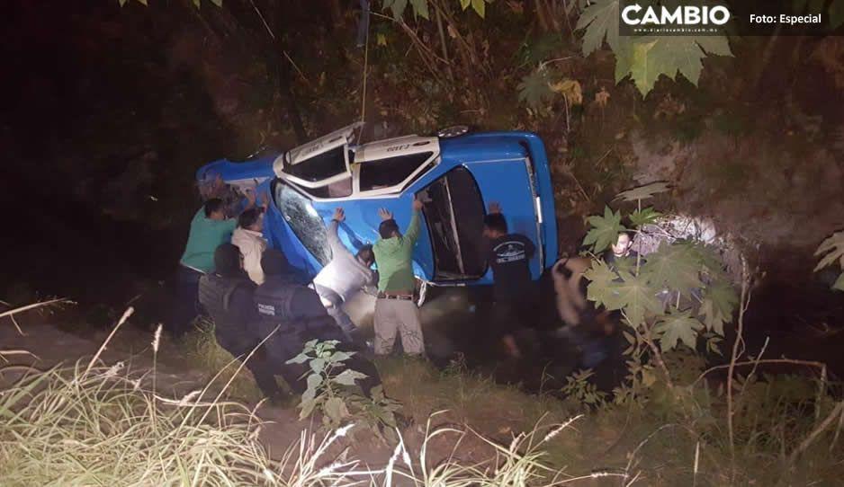 Karma instantáneo: roban taxi y al darse a la fuga caen al Dren de Valsequillo (FOTOS)