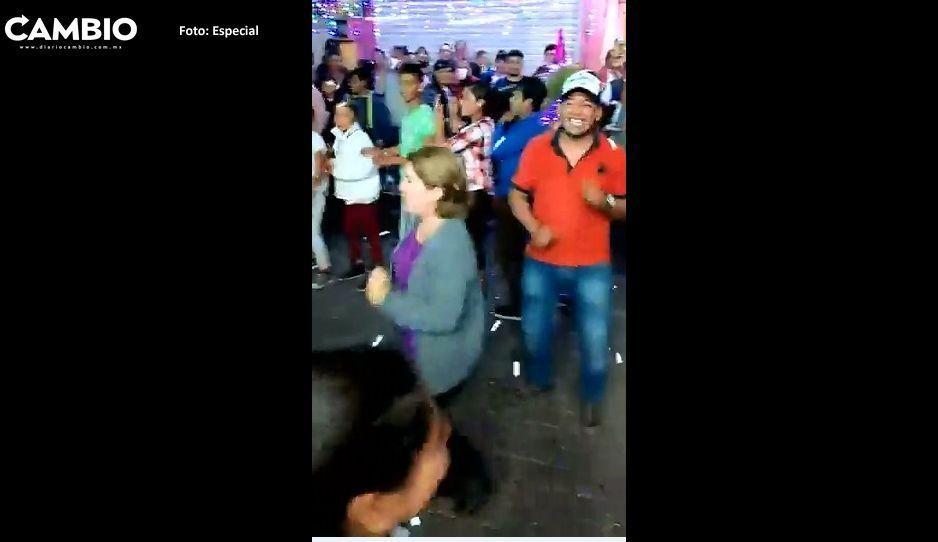 Alcaldesa bailadora de Tecamachalco festeja mientras pueblo sufre inseguridad