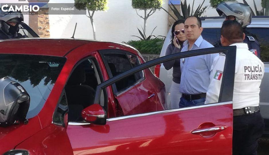 Borracho choca y su hermana  va a su rescate  en Tehuacán