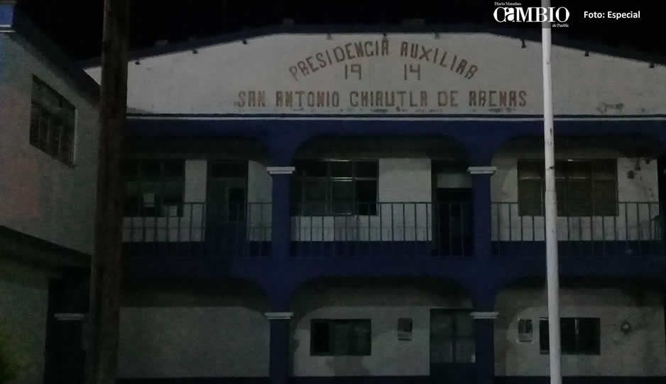 Pobladores de Chiautla de Arenas abandonan sus casas por fuga de gas