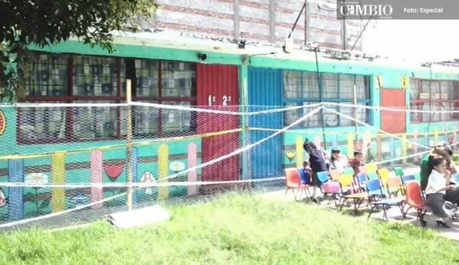 Alumnos de un preescolar en Texmelucan iniciaron ciclo escolar tomando clases a la intemperie