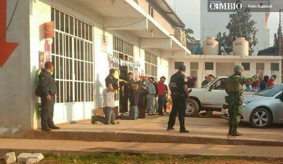 60 huachicoleros armados generan balacera en Chignahuapan