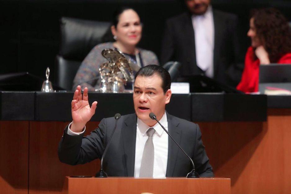 Morena expulsa a Juan Zepeda del Senado y PAN-PRI-PRD abandonan la sesión