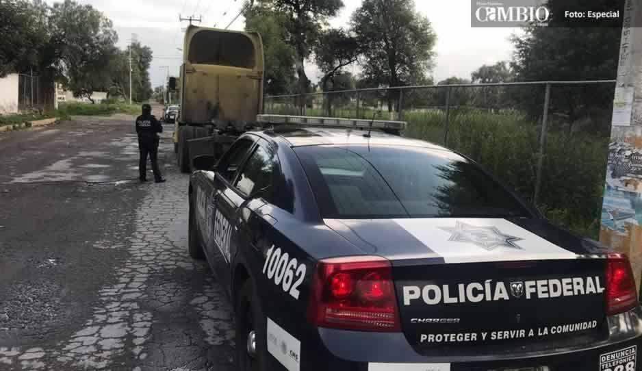Localizan tractocamión en Texmelucan con reporte de robo