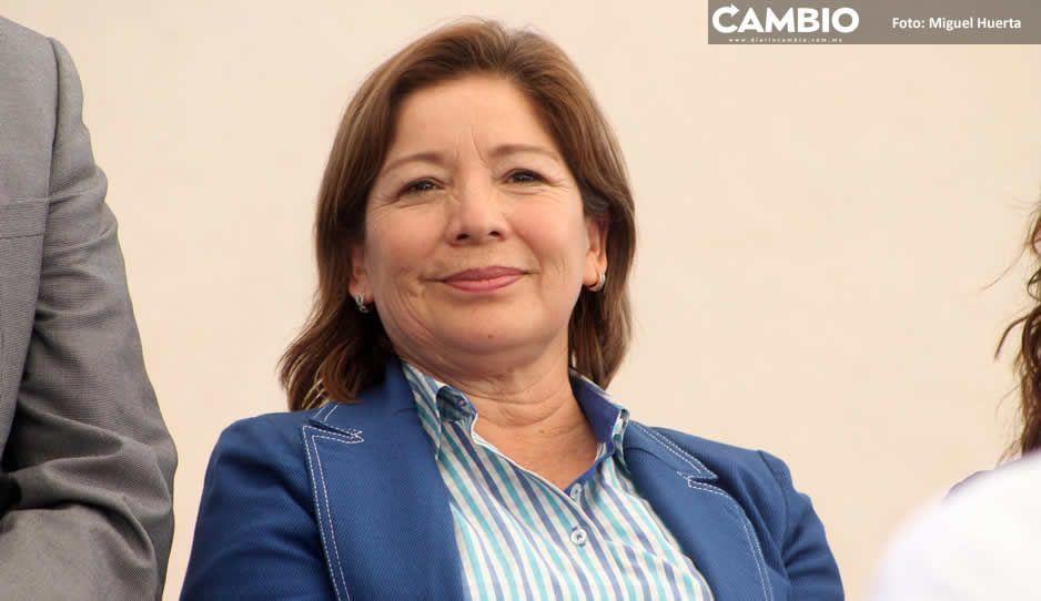 Alcaldesa Marisol Cruz recibe moches de 'Grúas Jesús' por arrastre de autos