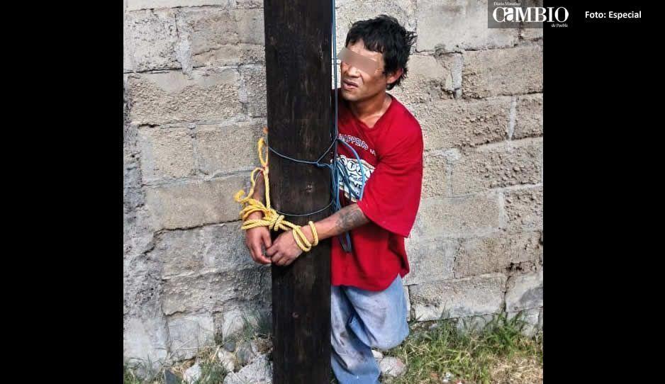 Vecinos de Atlixco detienen a presunto ladrón y propinan tremenda golpiza