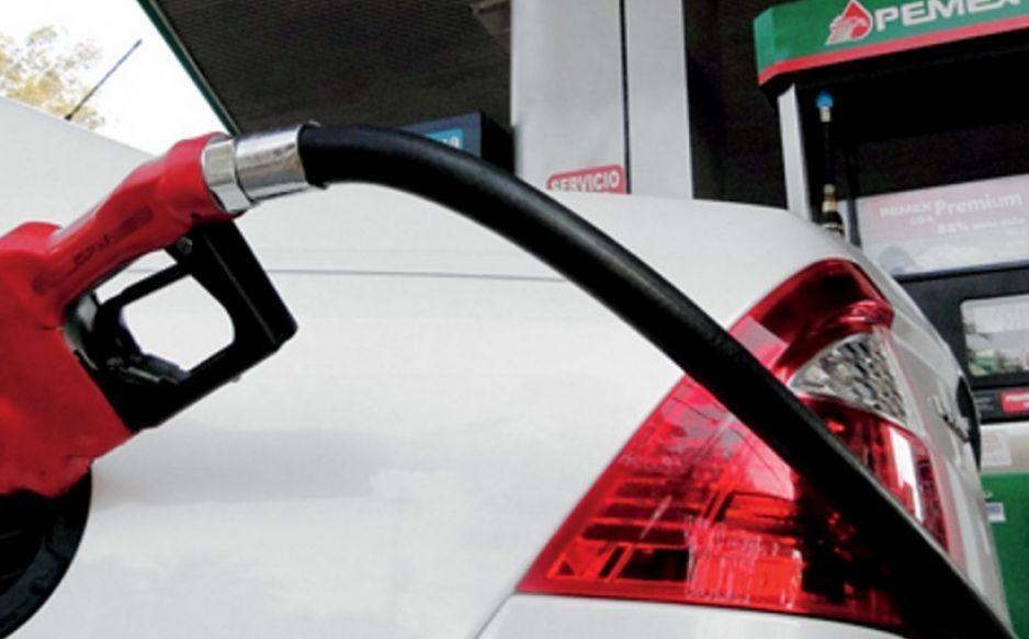Roza 19 pesos el litro de gasolina Premium en BP de Pachuca
