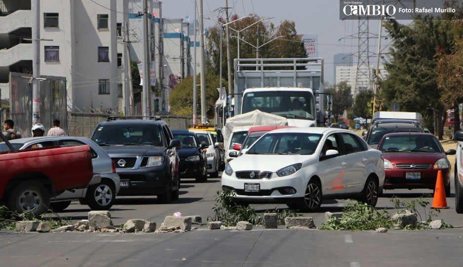 Avenida Las Torres sigue cerrada por vecinos tras intento de linchamiento