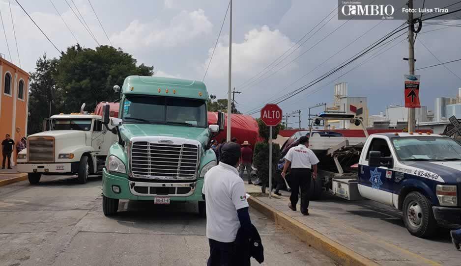Tren impacta tráiler en Cuautlancingo, sólo daños materiales (FOTOS y VIDEO)