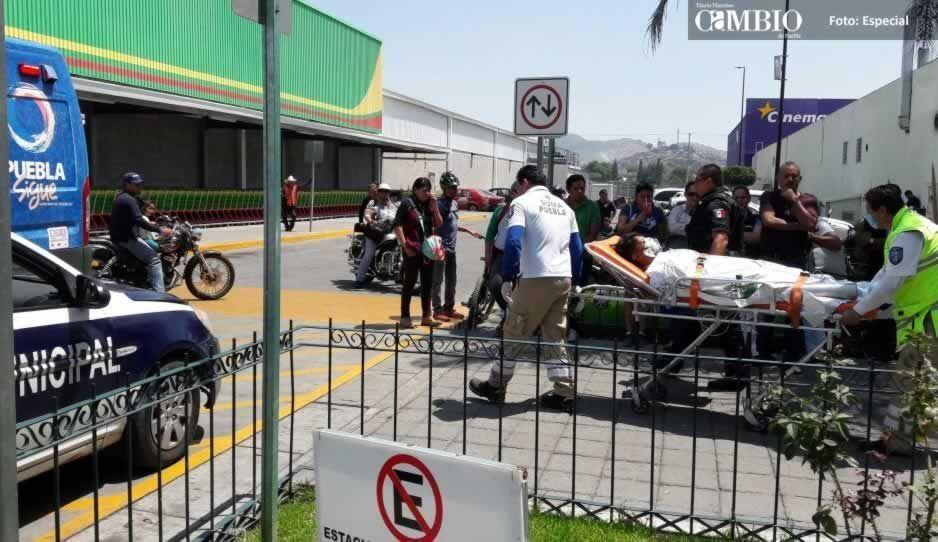 Explosión en Plaza Atlixco deja como saldo persona con quemaduras de 2do grado