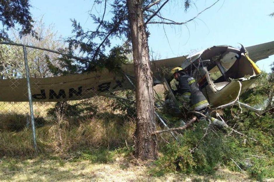 Dos muertos causados por la caída de una aeronave en Atizapán Estado de México