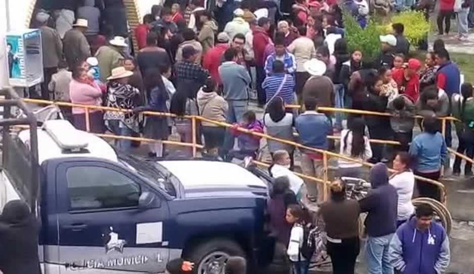 Linchan a padre e hijo en Domingo Arenas, policía rescata a uno