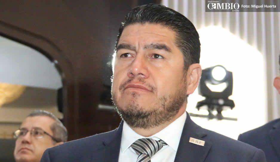 Alonso presenta su renuncia a Banck como protocolo de cierre de administración
