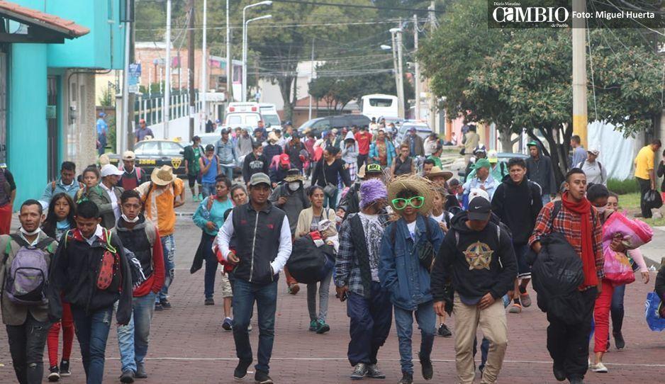 #CaravanaMigrante: 400 hondureños dejan Puebla continúan su camino a CDMX