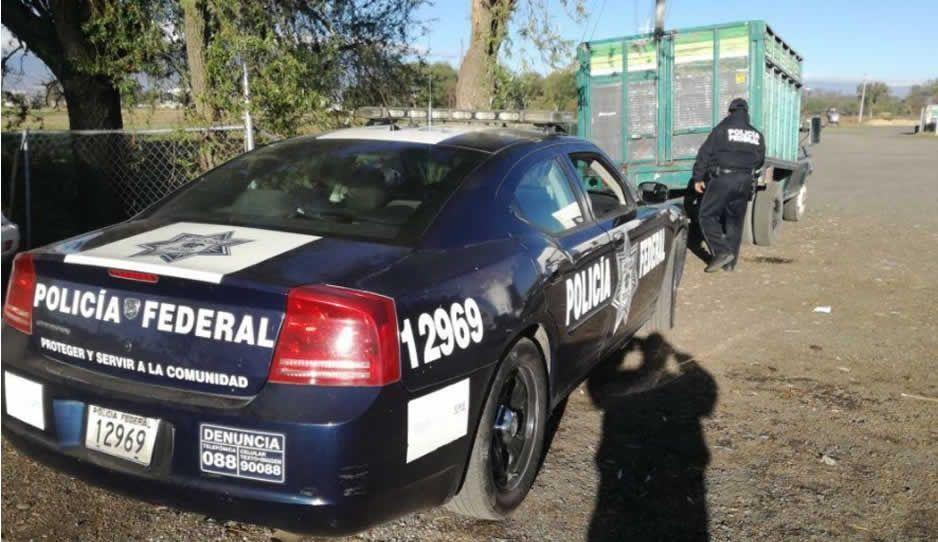 PF asegura unidad con dos mil litros de combustible en Texmelucan