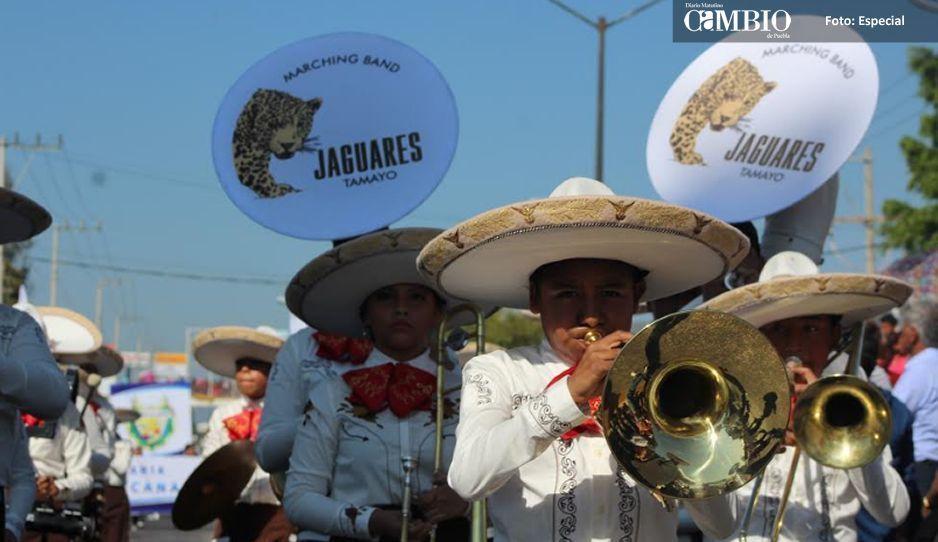 Marcharon 17 mil 500 alumnos en el desfile del 20 de noviembre conmemorado en Tehuacán