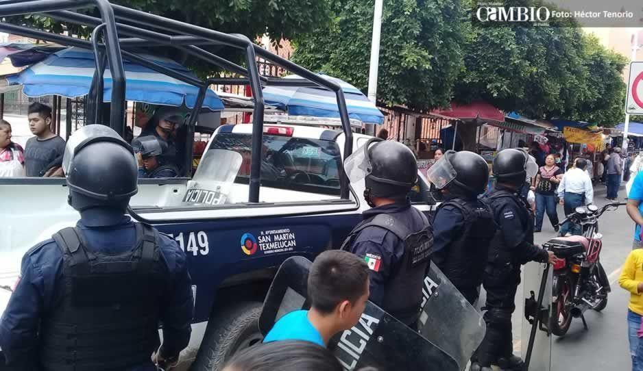 Retiran siete puestos ambulantes del centro de Texmelucan durante operativo (VIDEO)