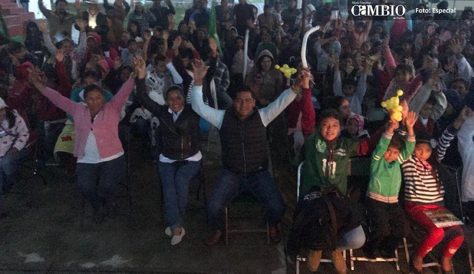 Colonos de Santa Cruz Hidalgo respaldan a Marco Juárez del PVEM