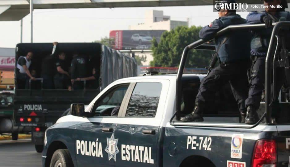 VIDEO: Trasladan a los policías cachirules al Cereso de Tepexi  para determinar su situación jurídica